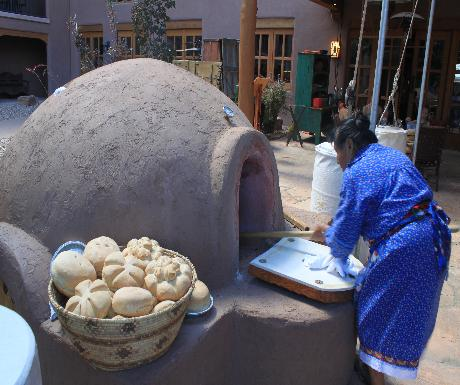 Tamaya Resort bread baking
