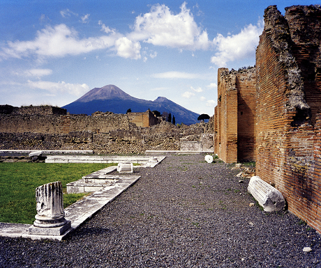 alternative italy pompeii